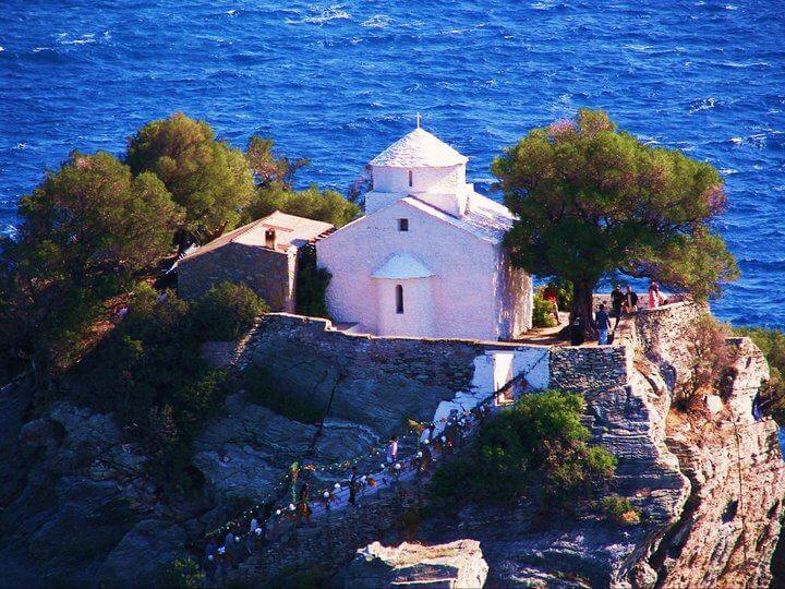 skopelos - BEST PLACES TO VISIT IN GREECE
