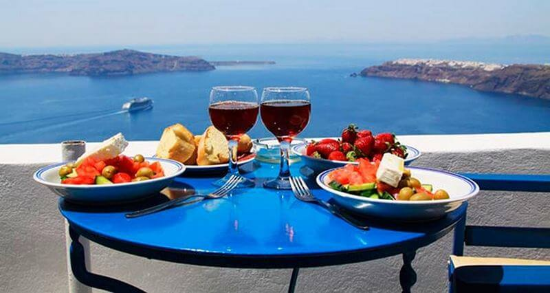 Santorini 2 - How to Spend your Memorable Vacation in Greece in September