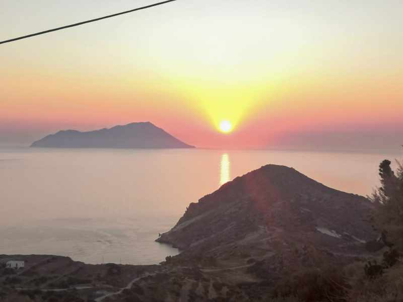 sunset on plaka 800x600 - Top Things To Do In Milos Island Greece