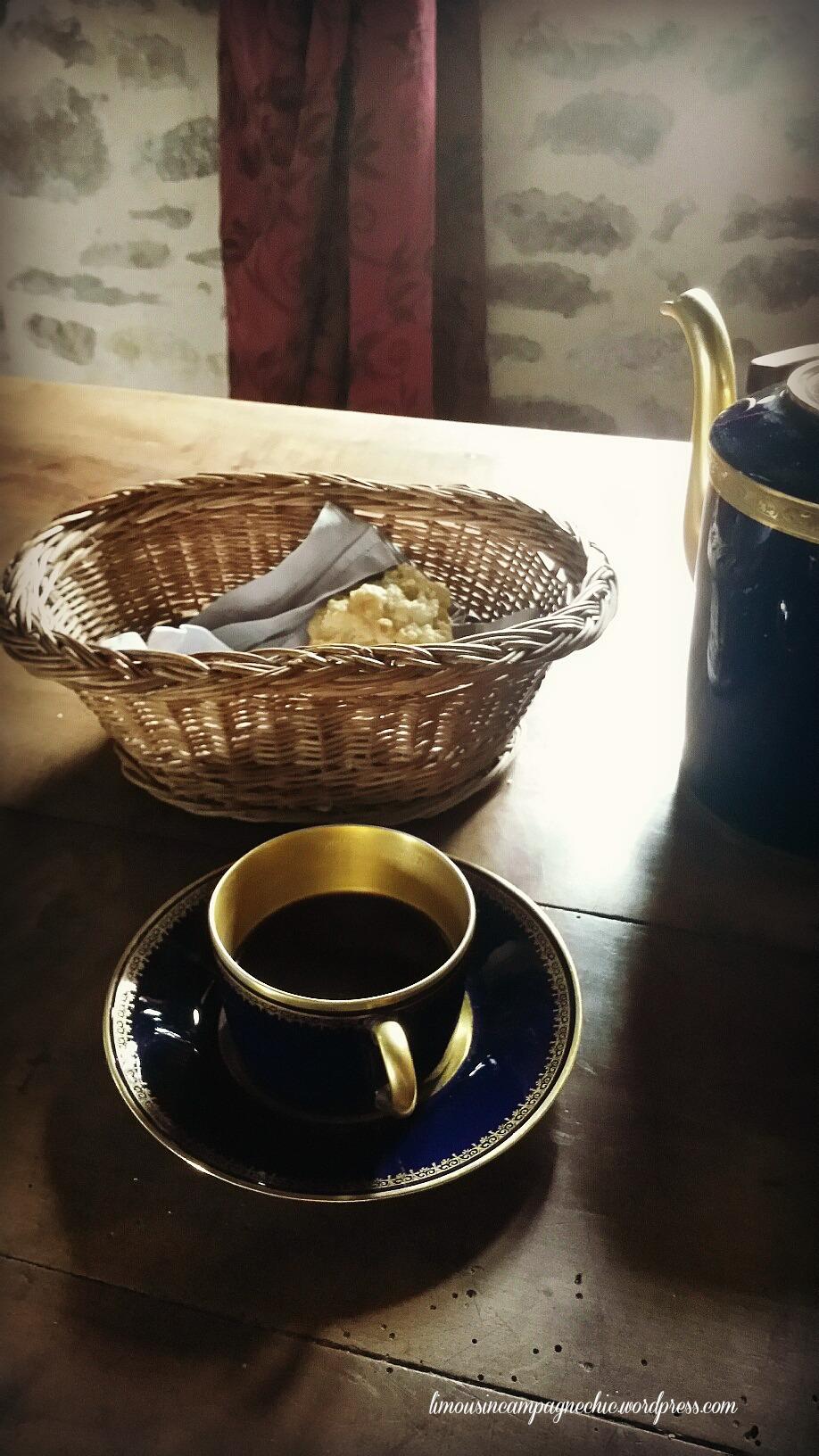 Petit déjeuner en France - Breakfast in France