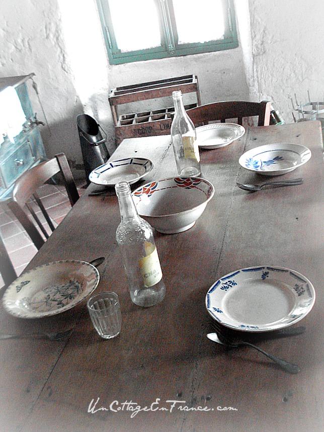 Assiettes de faience de Digoin - Digoin earthenwareplates