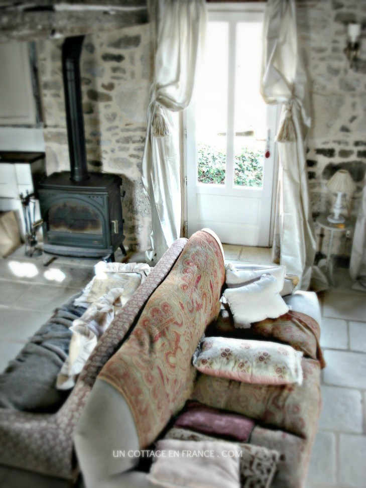 Les rideaux beiges 3 - Un Cottage En France