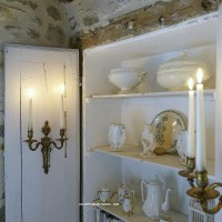 Le placard remanié campagne chic en blanc (The country chic white repurposed cupboard)