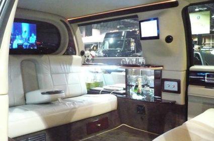 Intérieur de limousine noire classique