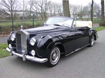 Modèle: Rolls royce 1960 2 Passagers Couleur: Noire Prix: sur demande