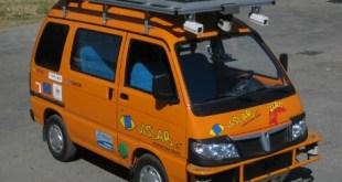 Carro elétrico robótico vai da Itália à China – video narrado em russo.