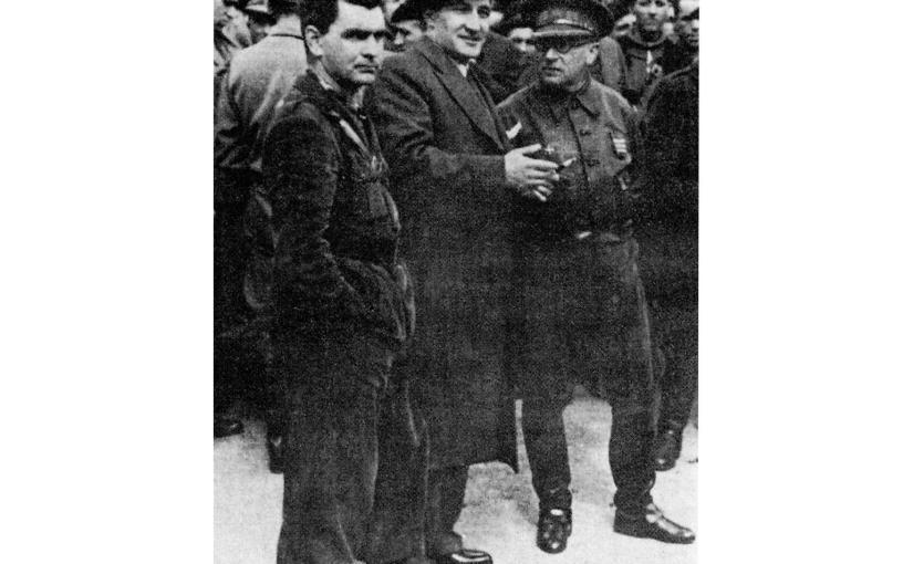 """<span class=""""entry-title-primary"""">Por qué fracasó el alzamiento del 18 de julio en Vizcaya</span> <span class=""""entry-subtitle"""">En el cuartel de Garellano (Basurto, Vizcaya), la Guardia Civil y la de Asalto quisieron apoyar la sublevación, pero lo impidió el teniente coronel Vidal</span>"""