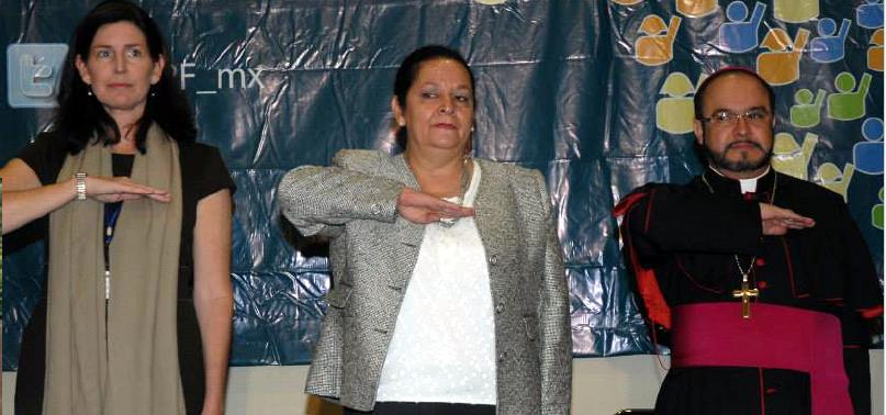 """<span class=""""entry-title-primary"""">La Iglesia rechaza al Yunque en Chile</span> <span class=""""entry-subtitle"""">Un reportaje de la revista The Clinic afirma que el jefe del Yunque en Chile es José Antonio Rosas, infiltrado en la Academia de Líderes Católicos</span>"""