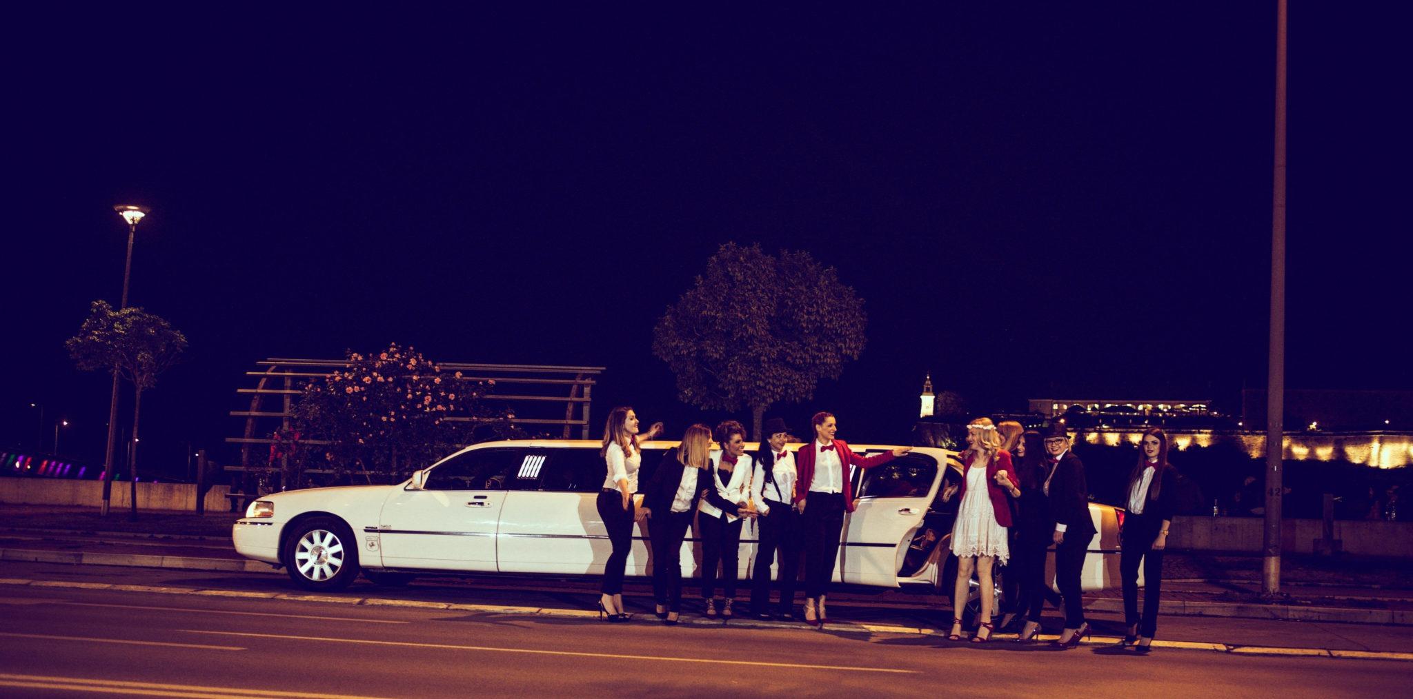 Iznajmljivanje limuzina za momačko - devojačko veče