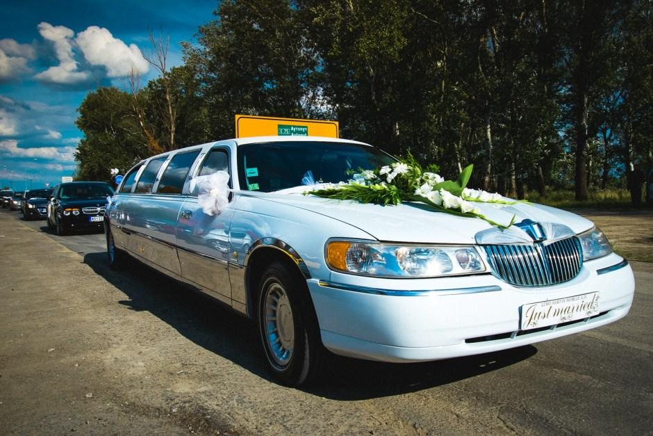 Iznajmljivanje limuzine za venčanja - svadbe