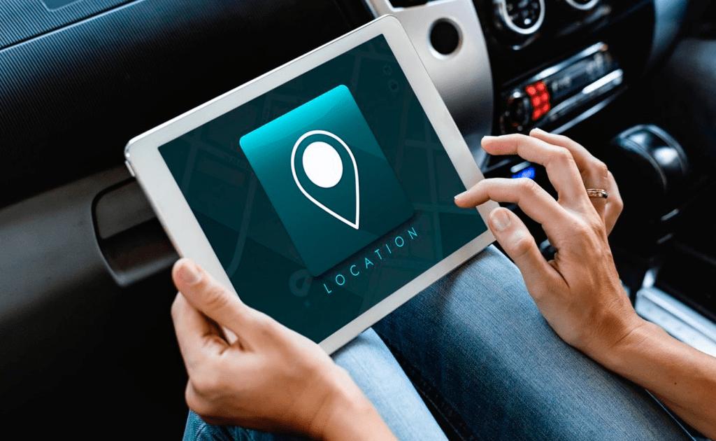 Me han puesto un localizador GPS en el coche de empresa, ¿es legal?
