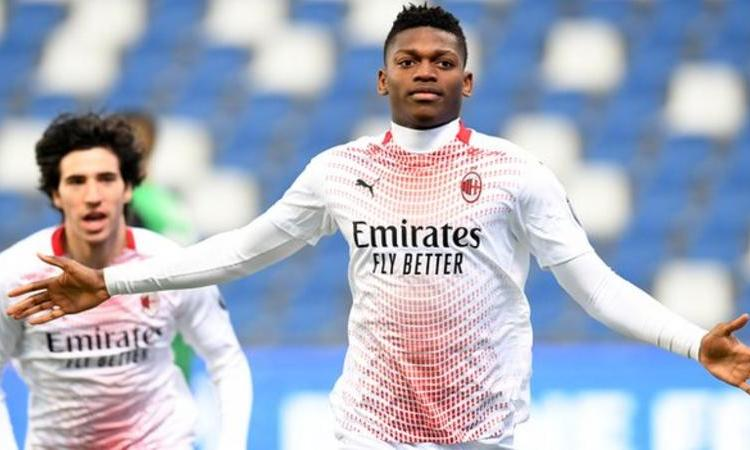 Rafael Leao scored the fastest goal in Serie A history as AC Milan netted after just six seconds of their victory at Sassuolo on Sunday.