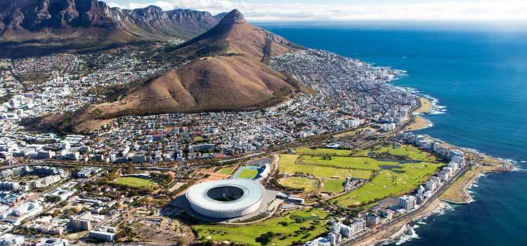 Cape Town becomes part of longest human chain in the world (Photos).