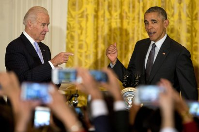President Barack Obama, and Vice President Joe Biden attend a Cinco de Mayo reception, Thursday, May 5, 2016, in the East Room of the White House in Washington. (AP Photo/Jacquelyn Martin)