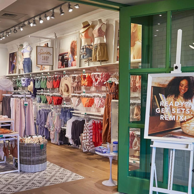 Aerie Lincoln Road