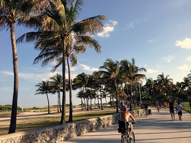 Staying fit on the MIami Beach Boardwalk