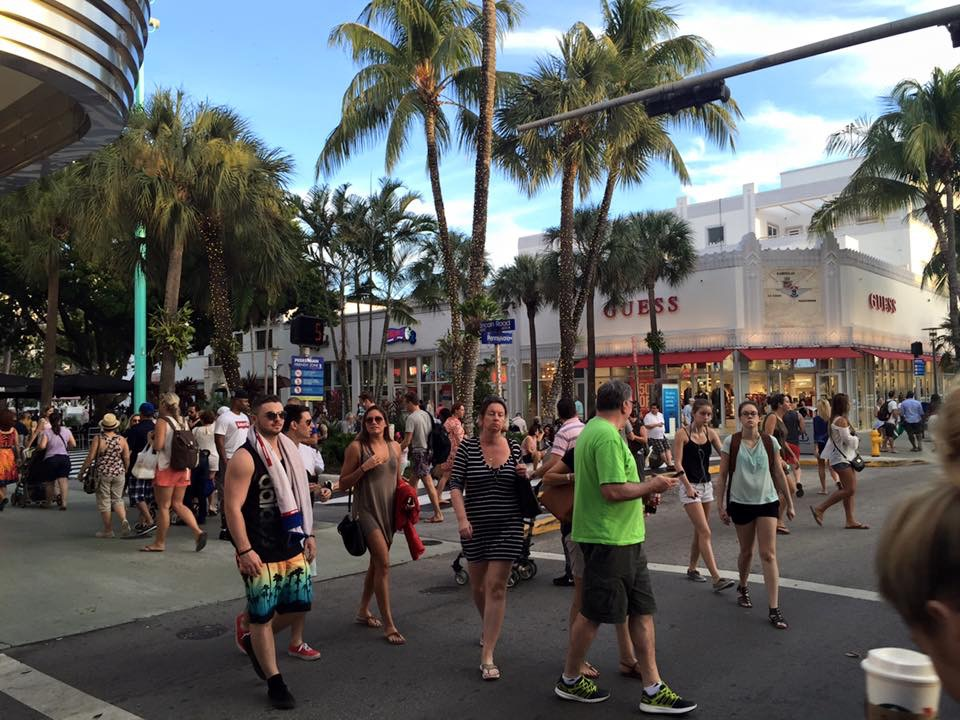 About Lincoln Road Mall - Lincoln Road Mall - Shop, Dine ...