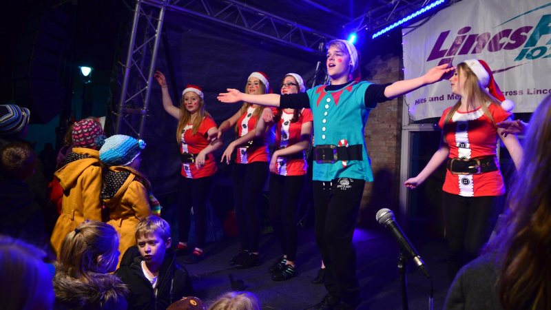Entertainment for kids at the St Mark's event. Photo: Steve Smailes for The Lincolnshire Reporter