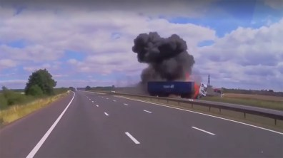 The shocking moment a lorry caught fire on the M180 motorway. Credit: Jacob Halliday