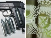 Reports of teenager with gun in Lincolnshire market place sparks police warning