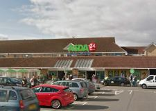 Man 'stabbed in the neck' in Grimsby Asda