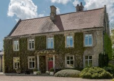 Stunning Lincolnshire manor built in 1600s up for sale
