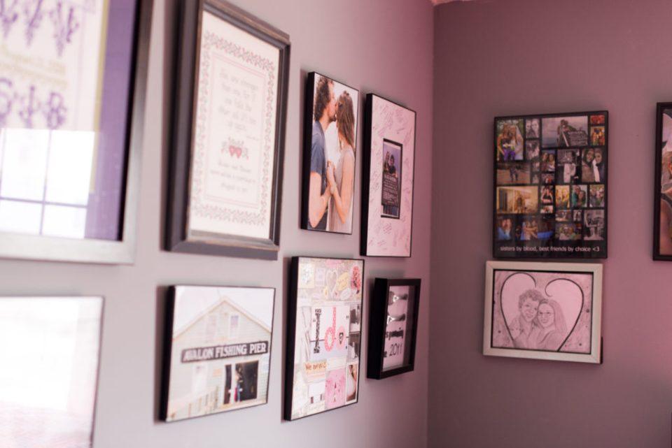diy bedroom makeover, photo wall