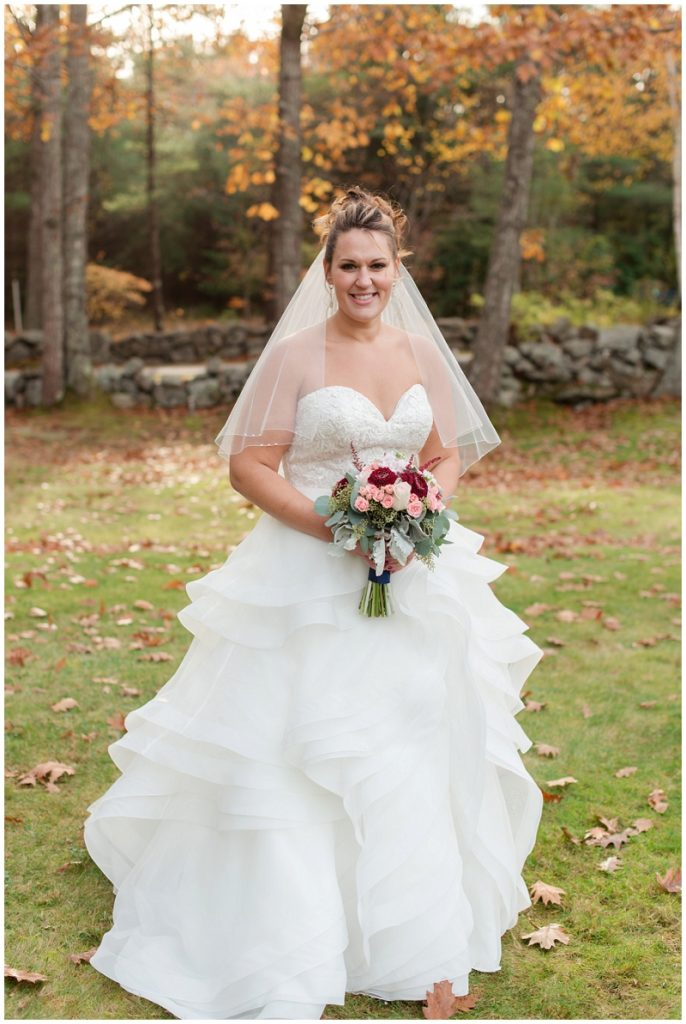 Melanie and Mike were married at Clay Hill Farm in Cape Neddick Maine. Click here to see more beautiful photos by Linda Barry Photography of their burgandy and navy wedding day! Fall bridal portrait.