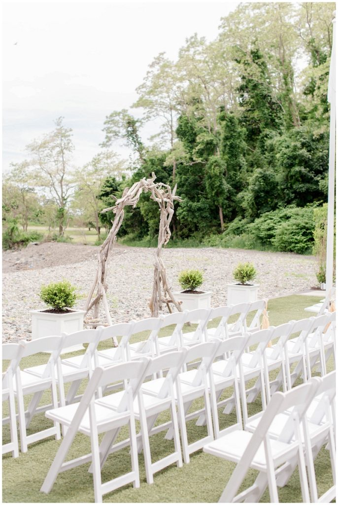 Steph and Wally were married at The Oceanview in  Nahant in MA for their elegant summer wedding by the water!