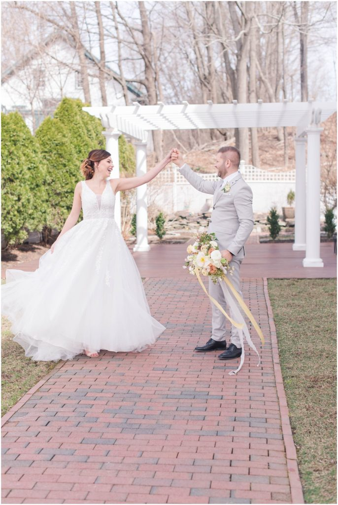 When you have a dress this pretty, you have to twirl it! The commons 1854 styled shoot by Linda Barry Photography.