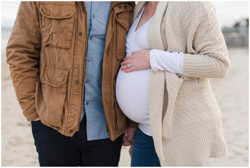 ocean park maternity session in the winter