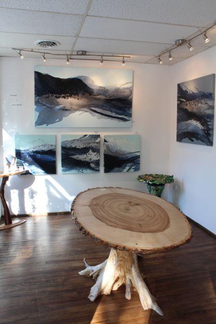 Mala Galleria, Linda Celestian, Jim Buckley