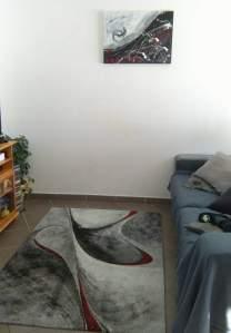 Tableau abstrait contemporain réalisé à la main rouge et gris exposé chez client