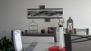 Tableau abstrait moderne quadriptyque fait main rouge et gris exposé chez client