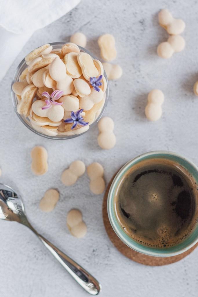 schwäbische Wibele mit Kaffee
