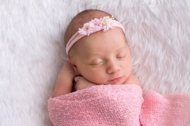 Newborn Photography by Linda Hewell Photography