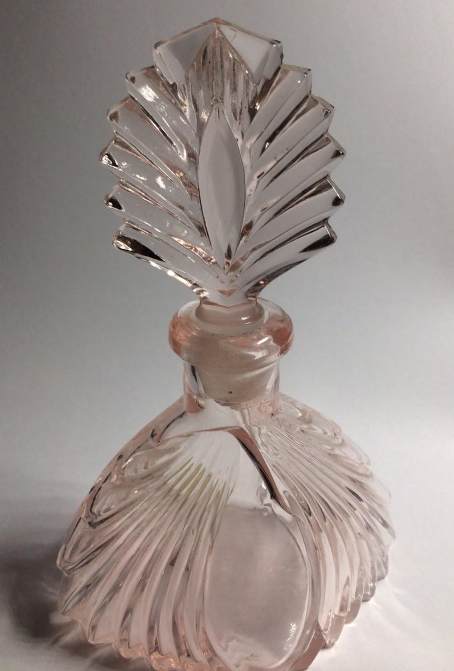 Elvis Jesses Mamas perfume bottle