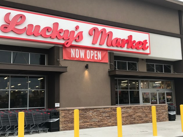 Lucky's Market (31)
