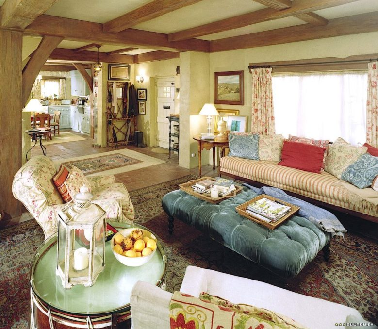 The Holiday English Cottage first floor view florals comfy Kate Winslet Cameron Diaz