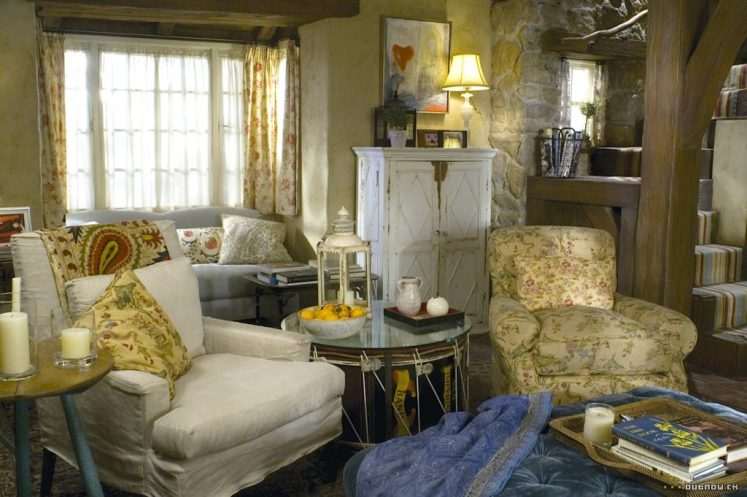 The Holiday English Cottage living room florals Cameron Diaz Kate Winslet