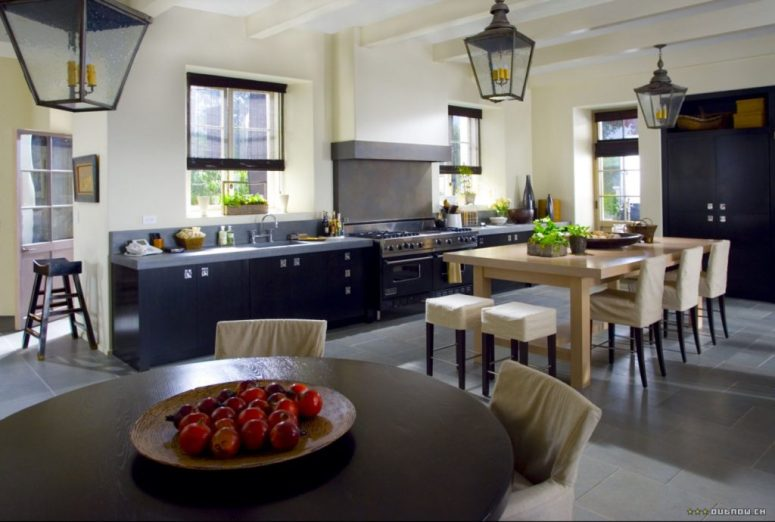 The Holiday LA House Kitchen 2 Cameron Diaz Kate Winslet