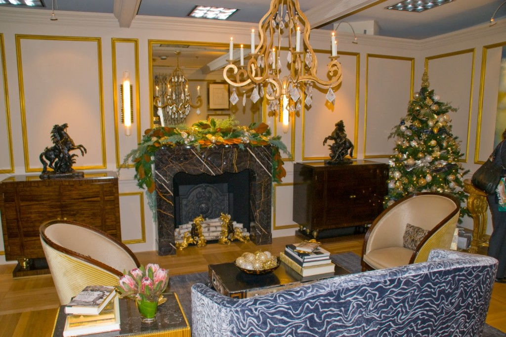 Lovely Eric Roseff Of Eric Roseff Designs Stands In His Winter Palace