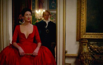 Outlander 202: Swans and Crocs and Versailles, Oh My!
