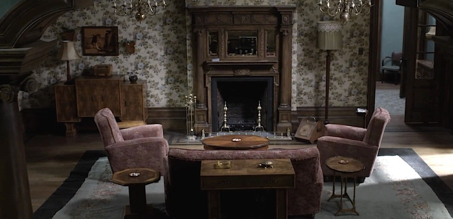 Outlander Boston home of Claire and Frank, living room