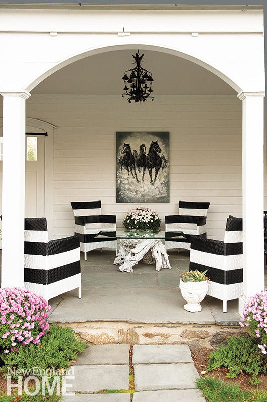 Color of the Month Black and White Gina Eastman Design John Gruen Photographer Black and White patio