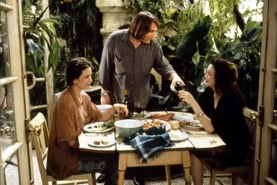3 Outdoor Dining Green Card Gerard Depardieu Andie MacDowell, Bebe Neuwirth conservatory