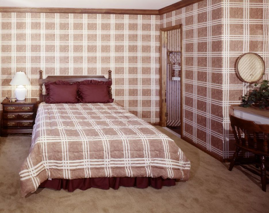 home-trends-plaid-1970s-outdated trends