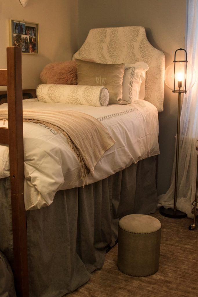 Meredith Welborn and Sarah Hooton dorm chic