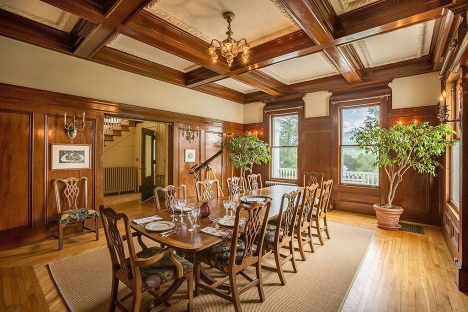 Burklyn Hall Dining room paneling moldings