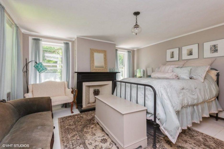 Antique Cape Cod Sandwich MA bedroom